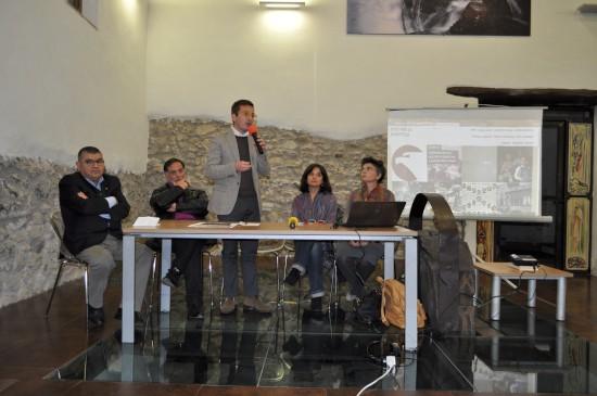 Paolo Russomando durante la presentazione della Fondazione Giffoni. Seduti al tavolo da destra a sinistra: Patrizia Cacciani, Letizia Cortini, Carmine Tavarone e Mario Ferrara